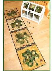Patchwork Shamrock Table Runner Pattern from AnniesCatalog.com. Order here: https://www.anniescatalog.com/detail.html?prod_id=114720&cat_id=467