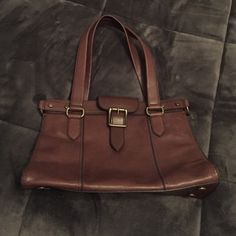 Fossil Vintage Revival Satchel, Brown Fossil Vintage Revival, Espresso Color, very gently used, excellent condition, dustbag included. Offers are welcome! Fossil Bags