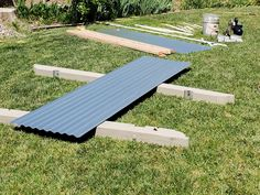 How To Build a Corrugated Metal Raised Bed - MK Library Metal Raised Garden Beds, Wooden Garden Planters, Building A Raised Garden, Raised Beds, Raised Gardens, Home Vegetable Garden, Corrugated Metal, Backyard, Patio