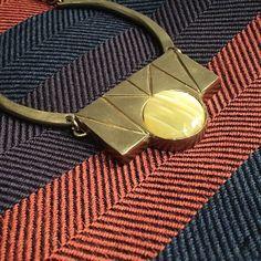 Collar de Circo & fular de Jean Jacques Rogers #brussosaselection Collar, Louis Vuitton Damier, Instagram Posts, Pattern, Bags, Fashion, Jewerly, Handbags, Moda