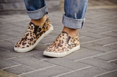 #Fashionblogger #fashion #style #Clothing #Sporty #look #outfit #gap #leopard #loafers #stripes #backpack