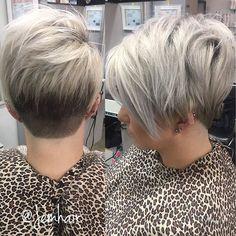 Ummmmm fully #obessed Xoxo #jemhair #hotd #pixie #pixieundercut #undercut #texturedpixie #pixiehair #blondepixie #platniumpixie #shorthairdontcare #shorthair #hair #instahair #claremont #claremontvillage #hairstylist #nothingbutpixies #licensedtocreate #acceptingnewclients