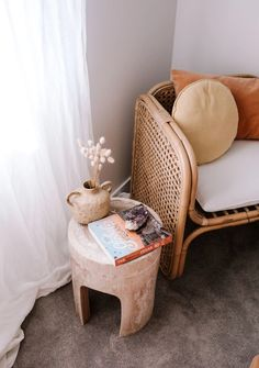 Ellie Bullen is a author, nutritionist and world traveller. Step inside her brand new home and explore how she has created the perfect beach side sanctuary. Hippie Stil, Step Inside, Inspired Homes, Boho, Home Collections, Table And Chairs, Decoration, Bedroom Decor, Bedroom Ideas