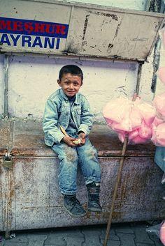 Turkish boy sells cotton candy