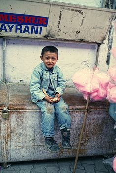 Turkish boy sells cotton candy