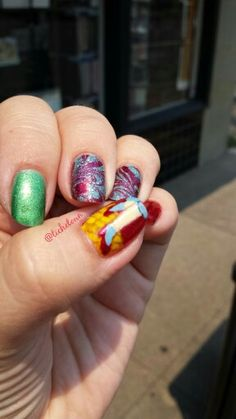 Dorothy's ruby red slippers - Wizard of Oz nails