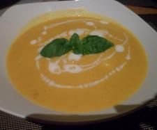 Rezept Mama´s weltbeste Kürbiscremesuppe von Na Dja - Rezept der Kategorie Suppen