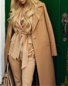 40 Outfit Ideas To Rock This Winter, Winter Outfits, / Camel Coat Camel Silk Suit. Cute Summer Outfits For Teens, Winter Outfits For Work, Dresses For Teens, Cool Outfits, Fashion Outfits, Printed Maxi Skirts, Black Bomber Jacket, Timeless Fashion, Autumn Winter Fashion