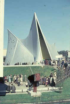 Gallery of AD Classics: Expo '58 + Philips Pavilion / Le Corbusier and Iannis Xenakis - 33