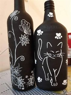 Painted Glass Bottles, Glass Bottle Crafts, Wine Bottle Art, Diy Bottle, Wedding Wine Bottles, Jar Art, Bottle Painting, Deco Table, Decoration