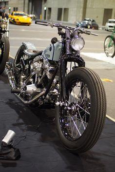 Harley Davidson News – Harley Davidson Bike Pics Motos Bobber, Bobber Bikes, Bobber Motorcycle, Bobber Chopper, Cool Motorcycles, Vintage Motorcycles, Motorcycle Garage, Scooter Garage, Indian Motorcycles