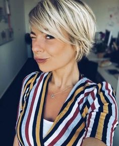 43 new best short hairstyles 2019 you can copy 19 – JANDAJOSS.ME – Great 43 new best short hairstyles 2019 you can copy 19 – JANDAJOSS.ME – The post 43 new best short hairstyles 2019 you can copy 19 – JANDAJOSS.ME – appeared first on Elle Hairstyles . Bob Hairstyles 2018, Short Hairstyles For Women, Summer Hairstyles, Summer Haircuts, Long Pixie Hairstyles, Fringe Hairstyles, Choppy Bob Hairstyles For Fine Hair, Modern Bob Hairstyles, New Hair