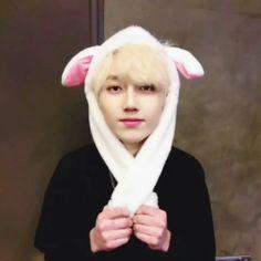 Woah he:s so cutee😪❤️ Jong Min, Rapper, I Love Him, My Love, Monsta X, Mint, Entertainment, Cute, People