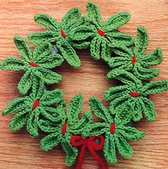 A Mistletoe Wreath to Crochet ~ free pattern