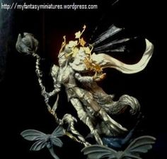 Wood Elves: Ariel Mage Queen of Athel Loren. The conversion used the legs of Asharah (Ranging Heroes). The torso comes from Lunah (Kabuki Models). Mane of hair of Eldar Avatar of Khaine Wood Elf, Warhammer Fantasy, Elves, Avatar, Lion Sculpture, Statue, Queen, Ariel, Pictures