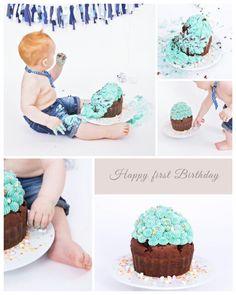 Ein riesen Cupcake mit eine Frischkäse-Vanille-Topping