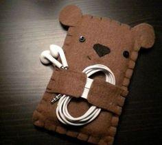 Stunning little felt bear to hug your headphones where they feel lonely. Beautifully handmade.