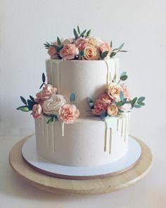89 wedding cake ideas and inspirations – bestlooks cake decorating recipes kuchen kindergeburtstag cakes ideas Pretty Wedding Cakes, Floral Wedding Cakes, Elegant Wedding Cakes, Wedding Cake Designs, Pretty Cakes, Cute Cakes, Beautiful Cakes, Amazing Cakes, Simple Elegant Cakes