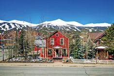 On the Market in Summit County Ski Hill, Summit County, Mountain Living, Rustic Cottage, Colorado, Skiers, Cabin, Marketing, House Styles