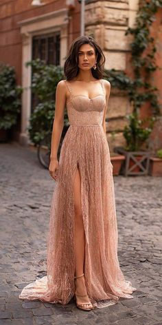 Elegant Dresses, Pretty Dresses, Beautiful Dresses, Bridesmaid Dresses, Prom Dresses, Formal Dresses, Gold Formal Dress, Gold Wedding Gowns, Wedding Ceremony
