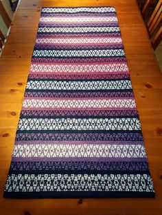 Textiles, Rag Rugs, Weaving Projects, Recycled Fabric, Weaving Techniques, Woven Rug, Scandinavian Style, Pattern Design, Weave