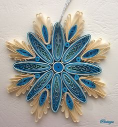 Quilling snowflake by pinterzsu on DeviantArt Paper Quilling Tutorial, Quilled Paper Art, Quilling Paper Craft, Paper Crafts, Arte Quilling, Quilling Work, Origami And Quilling, Quilling Christmas, Christmas Snowflakes