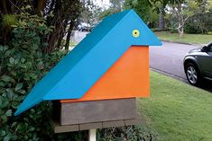 A kingfisher bird inspired Handyman reader Andrew Ho to create this whimsical mailbox Handyman Magazine, New Mailbox, Kingfisher Bird, Spray Painting, Whimsical, Exterior, Colours, Woodwork, Outdoor Decor