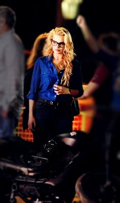 sillyblogofjas: Margot Robbie as Harleen Quinzel (Suicide Squad 2016) I'VE BEEN LOOKING AT THIS PICTURE ALL DAY AND JUST ADMIRING MARGOT'S BEAUTY… AND I ONLY JUST REALISED THAT SHES DOESNT EVEN HAVE A DRINK IN HER HAND!!!! WHAT WAS I SEEING!!? Oh, and happy 25th birthday, Margot… You absolute diamond. You are a tonic for tired eyes. margotdaily margotrobbie margotletos margotrobbieonline wow who wouldn't fall for her!