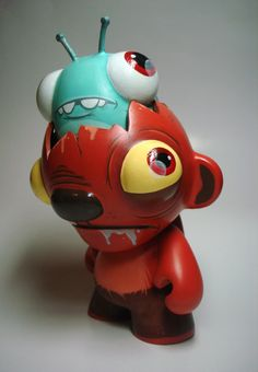 Custom toy for the 2010 Munny Munth Contest by Betso.