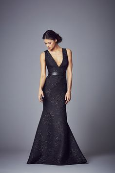 Pandora | Evening Dresses from the new Evening Wear Collection 2017 by designer Suzanne Neville http://www.suzanneneville.com/evening-wear/pandora/