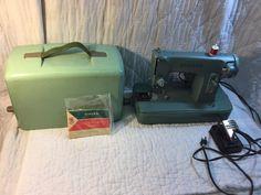 Vintage Singer Sewing Machine w Case & Manual Model 285K In Jadeite Green Colors
