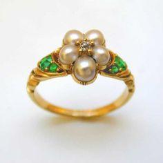 A Georgian pearl, emerald and diamond ring,  circa 1810