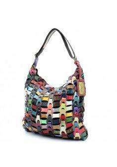 supergave tas gemaakt van restjes leer. allerlei verschillende kleuren en patronen.