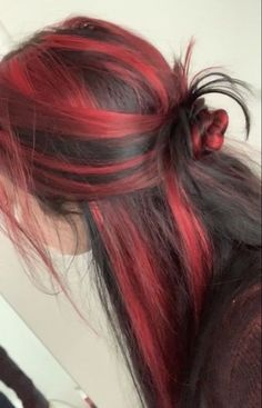 Hair Color Streaks, Hair Dye Colors, Cool Hair Color, Hair Highlights, Black Hair With Red Highlights, Red Black Hair, Hair Colour Ideas, Two Color Hair, Red Hair With Highlights