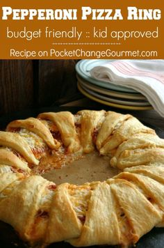 Pepperoni Pizza Ring: Budget Friendly - Kid Approved :: Recipe on PocketChangeGourmet.com #Dinner #Recipes