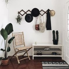 25 Cool Ideas For A Boho Chic Entryway is part of Small Living Room Entryway - Boho stylish fashion could be very fashionable now, we will see it in all places in outfits, in occasion themes, in house decor If you're a sucker for Decor, Boho Chic Entryway, Small Entryways, Interior, Living Room Decor, Boho Living Room, Home Decor, Apartment Decor, Minimalist Entryway