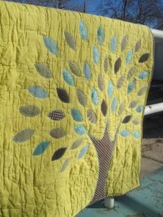 Amy Gibson's Tree Quilt - Not a pattern link, though she sells her patterns on her website.