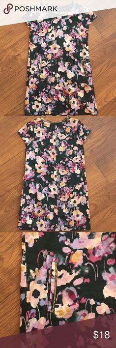 Gap Kids dress Short sleeve floral print dress  pockets on front  Good used condition GAP Dresses Casual