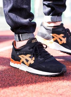 newest 8bc51 15b75 ASICS Gel Lyte V Black   Tan