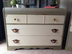 Vintage Art Deco Waterfall Dresser from VintageHipDecor on Etsy. Furniture Fix, Chalk Paint Furniture, Furniture Projects, Furniture Makeover, Waterfall Dresser, Waterfall Furniture, Dresser Refinish, Refinished Dressers, Vintage Chest Of Drawers