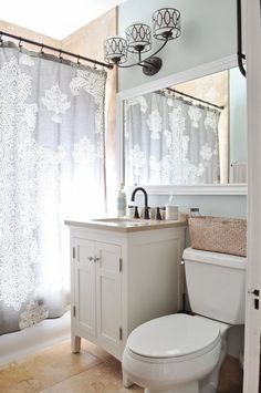 Short on Space? 6 Effective Ways to Make More Room in Your Bathroom Cabinets