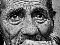 Amazing b and w portrait photography men. Portrait Photography Men, People Photography, Photography Ideas, Black And White Portraits, Black And White Photography, Old Man Portrait, Get Off My Lawn, Memories Faded, Old Faces