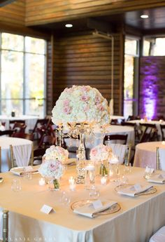 Planner: Angela Proffitt Venue: Leadership Lodge, Nashville Photographer: Melanie Grady Photography