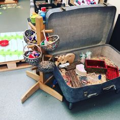 Suitcase small world. the kids love this resource and easy to make! Senses Activities, Nursery Activities, Eyfs Activities, Toddler And Baby Room, Baby Room Diy, Reggio Classroom, Classroom Design, Baby Room Ideas Early Years, Curiosity Approach