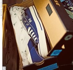 groomsmen gifts: monogrammed converse shoes