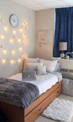 Dorm Room Design Ideas See more ideas about dorm room college room and college dorm rooms. Weve rounded up some dorm room decor essentials you absolutely need and if you pre. Cute Bedroom Ideas, Cute Room Decor, Room Lights Decor, Diy Bedroom, Cute Dorm Ideas, Bed Ideas, Bedroom Rugs, Trendy Bedroom, Lights In Dorm Room