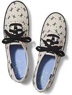 Keds Taylor Swift's Champion Herringbone Bow. I'm in love with these shoes. And they're super comfy :) And I wore them so much they have holes!