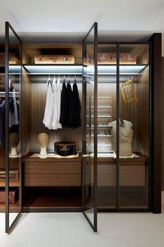 Minimalistische Schrank Designideen Sind Besonders Beliebt Bei Dynamischen  Menschen, Die Rationalität, Komfort Und Maximale Funktionalität Der