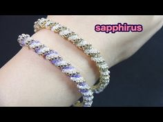 How to make a bangle with r. Beaded Braclets, Beaded Bracelets Tutorial, Necklace Tutorial, Handmade Bracelets, Bangle Bracelets, Beaded Jewelry Patterns, Bracelet Patterns, Beading Patterns, Beading Techniques