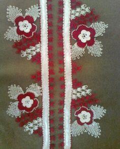 HUZUR SOKAĞI (Yaşamaya Değer Hobiler) Hobbies And Crafts, Diy And Crafts, Recycled Cds, Love Crochet, Elsa, Burlap Wreath, Needlepoint, Recycling, Weaving